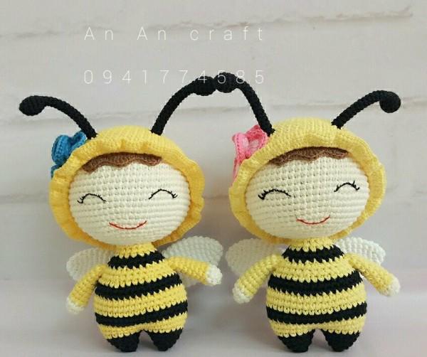 Cặp đôi ong này có kích thước 20cm. Hãy nhanh tay đặt mua lấy cho mình cặp đôi ong xinh xắn đáng yêu này nhé.