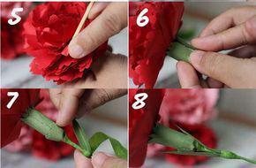 Tiếp theo đó xếp thành từng lớp và kết lại với nhau Đồng thời lấy giấy nhún màu xanh quấn quanh và tạo lá phía dưới bằng giấy sáp xanh quấn cành hoa.