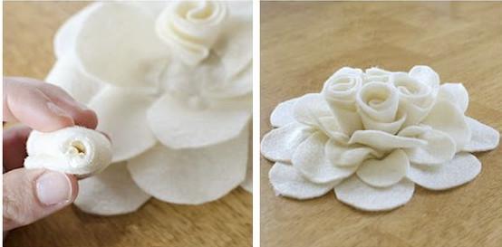 Dùng keo nến cố định lại và gắn vào phần đài hoa. như vậy là ta đã có một bông hoa trang trí rất tuyệt rồi. bạn có thể sử dụng màu vải dạ khác nhau sẽ tạo được những bông hoa tuyệt đẹp hơn nữa. chúc bạn thành công.