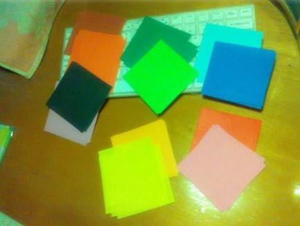 Tiếp tục làm với các giấy màu khác