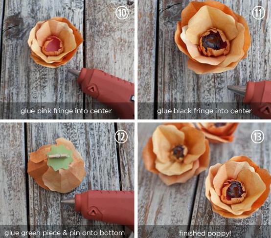 Ghép phần hoa với đài hoa. Như vậy là chúng ta đã có một bông hoa anh túc tuyệt đẹp rồi. bạn có thể sử dụng chúng làm trang trí nhà cửa, làm trang trí trên vòng nguyệt quế, Tạo nhiều bông để thành 1 chùm cắm vào lọ hoặc chậu cũng sẽ rất đẹp. chúc các bạn thành công nha.