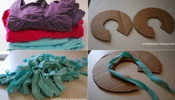 Cắt quần áo cũ thành các dây nhỏ Cắt bìa carton thành hình chữ C