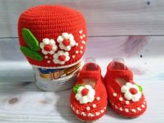 Mũ và giày cho bé gái