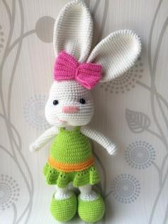 share chart móc thỏ mặc váy ngộ ngĩnh