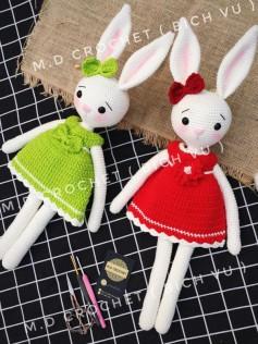 Móc thỏ tai dài mặc váy