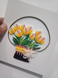 Thiệp giấy xoắn giỏ hoa