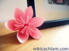 Cách làm hoa đào bằng giấy cực dễ đón Tết