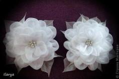 Hướng dẫn trang trí hoa trên dây buộc tóc tuyệt đẹp.