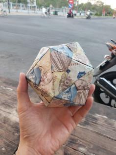 Hướng dẫn gấp quả cầu từ tiền giấy.